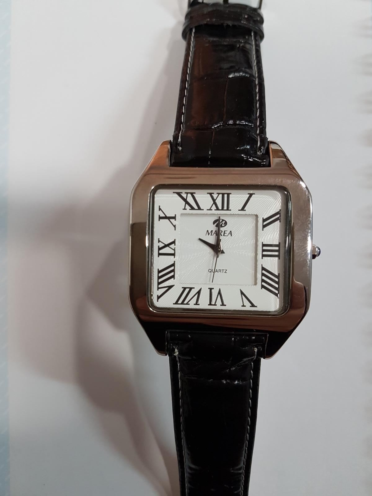 Reloj Marea piel negra