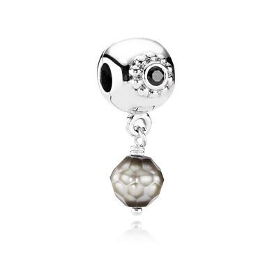 Abalorio Pandora de plata con perla gris y circonita negra.