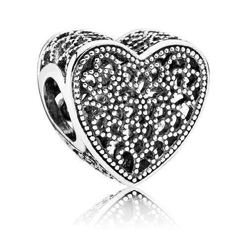 Abalorio Pandora Corazón Calado lleno de amor