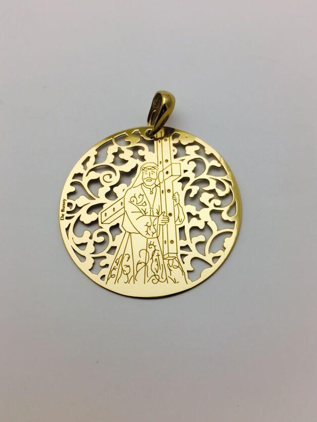 Medalla de Nuestro Padre Jesús en plata chapada en oro